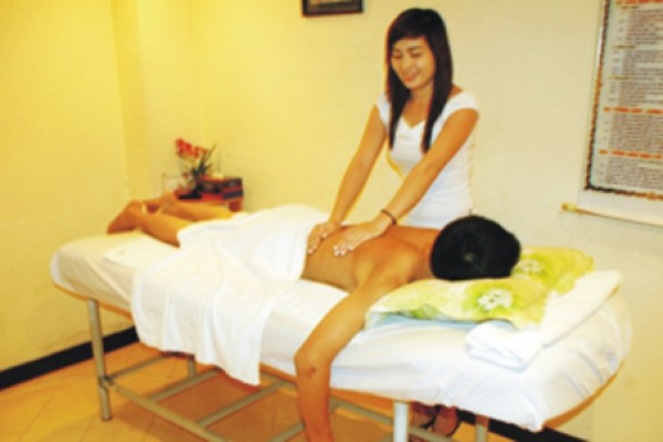 massage-623223DF7-797E-34E9-F4B6-C3A3089FE3C1.jpg