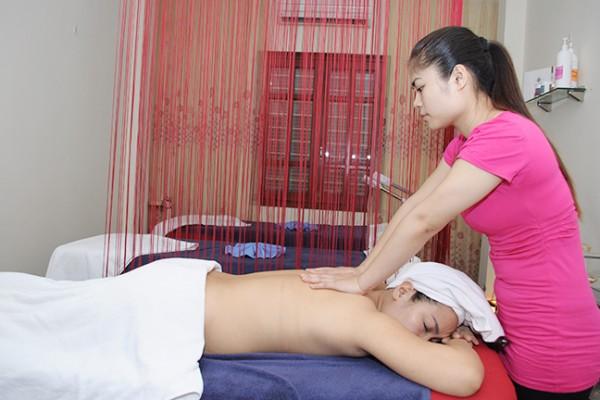 massage-7F9FDFEC7-1378-7050-BF23-B3EDE1767982.jpg